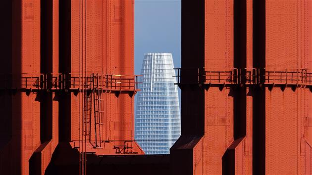 Salesforce Tower framed by the Golden Gate Bridge