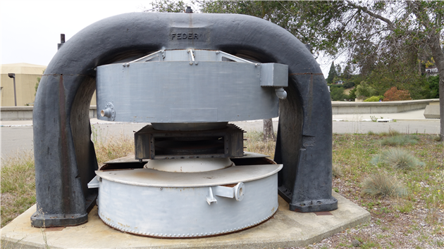 The Lawrence 37-Inch Cyclotron
